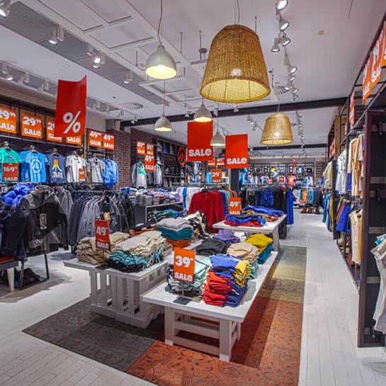 wyposażenie sklepów w centrach handlowych